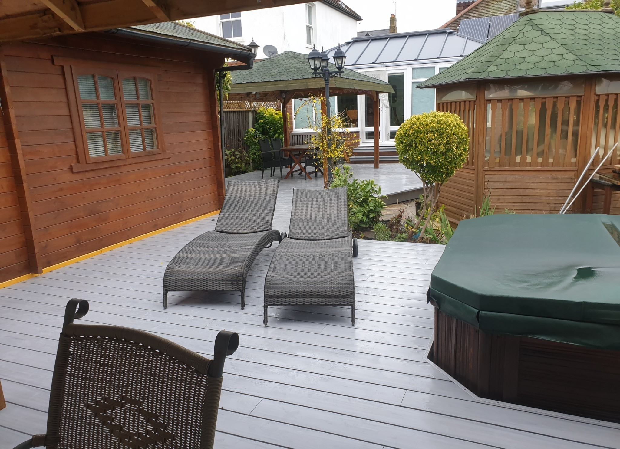 residential decking in sussex with hot tub