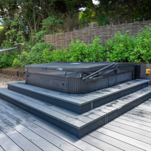 Residential-Decking-Hot-Tub