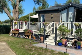 upvc decking balustrades for holiday homes